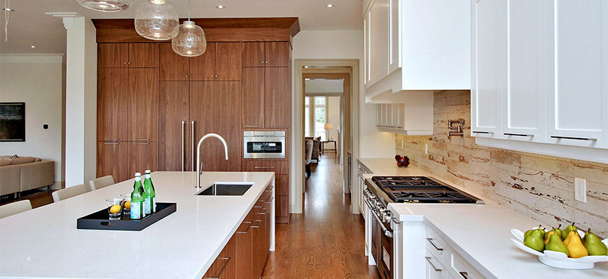 Custom Luxury Kitchen Renovation in Mississauga